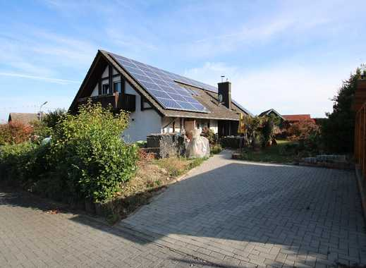 Freistehendes Zweifamilienhaus mit Doppelgarage in Horbach!