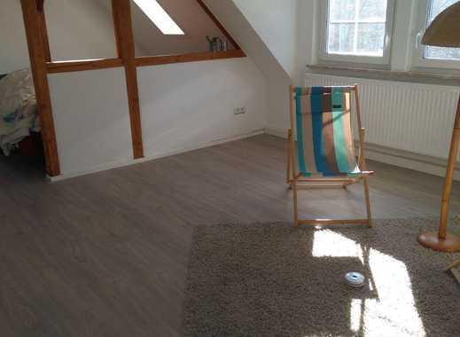 3,5 Zimmer Dachgeschosswohnung mit Einbauküche