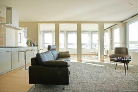 Moderne exklusiv möblierte 2-Zimmer-Wohnung mit Loftcharakter an der Bavaria - Alpenblick gratis! in Schwanthalerhöhe (München)
