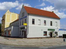 Geschäfts- und Bürohaus