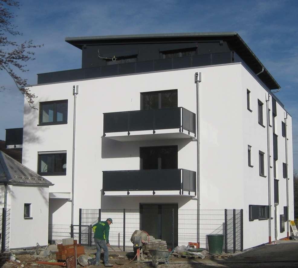Moderne 2-Zi Wohnung mit Balkon Bj. 2016 ! in
