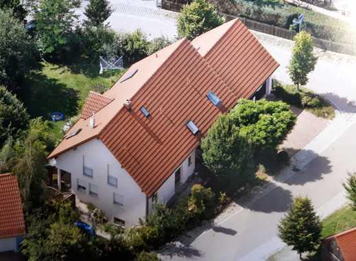 Sonnendurchflutetes Haus mit acht Zimmern, 2 Zi. Einliegerwohnung, Saunakeller in Sinzing/Vhsn.