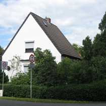 Liebenswürdiges Einfamilienhaus mit sechs Zimmern