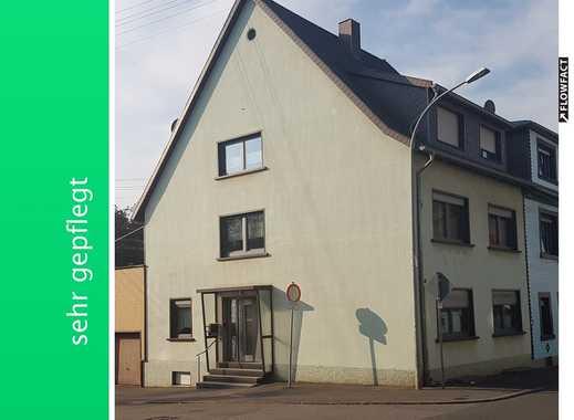 Großes Ein- bis Zweifamilienhaus in zentraler Lage von Püttlingen