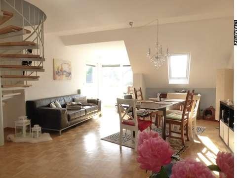 Sonnige Maisonette-Wohnung mit Balkon und Tiefgaragen-Platz