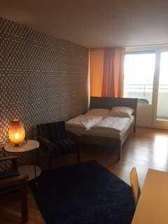 Schöne ein Zimmer Wohnung voll möbliert in München, Laim mit direktem Blick auf die Alpen in Laim (München)