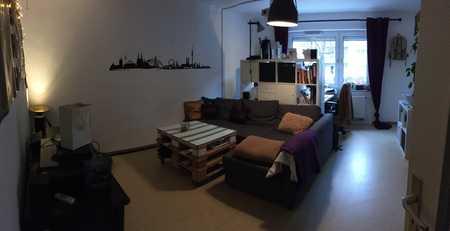 Schöne WG-geeignete 2-Zimmer-Hochparterre-Wohnung mit Balkon und EBK in Augsburg-Hochfeld in Hochfeld (Augsburg)