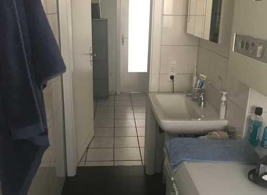 15 qm Zimmer in 65qm Wohnung in direkter Uni Lage