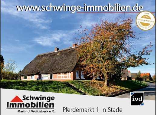 SCHWINGE IMMOBILIEN Stade: Bauernhaus auf dem Lühe-Deich mit direkter Wasserlage.