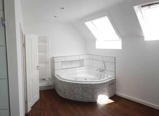 86 qm (+39 qm), Erstbezug nach Sanierung: Außergewöhnliche Maisonette-Wohnung