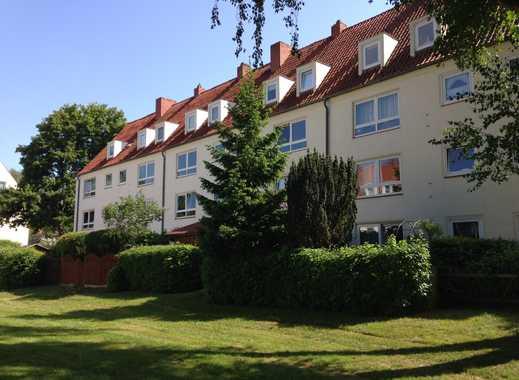 Kleine niedliche 3 Zimmer Wohnung am Kaufhof Lübeck-Marli!