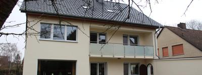 Einziehen & Wohlfühlen! Renovierte 3,5 ZKB mit 2 Bädern und Balkon warten auf Sie!