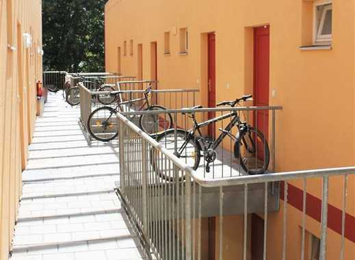 Regensburg: NEU RENOVIERTE Galerie-Whg. (39 qm), NEUE EBK, Balkon, TG-Stellplatz, Uni-nah