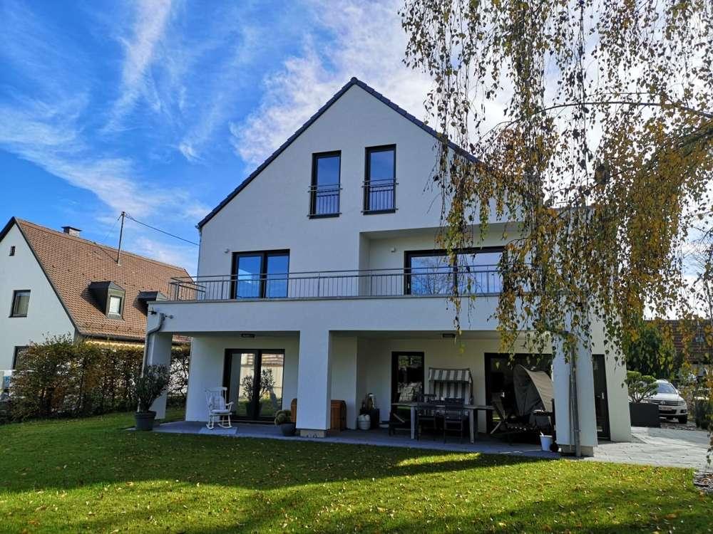 Sonnige 4-Zimmer-Wohnung mit großzügiger Raumaufteilung in Lohhof in Unterschleißheim