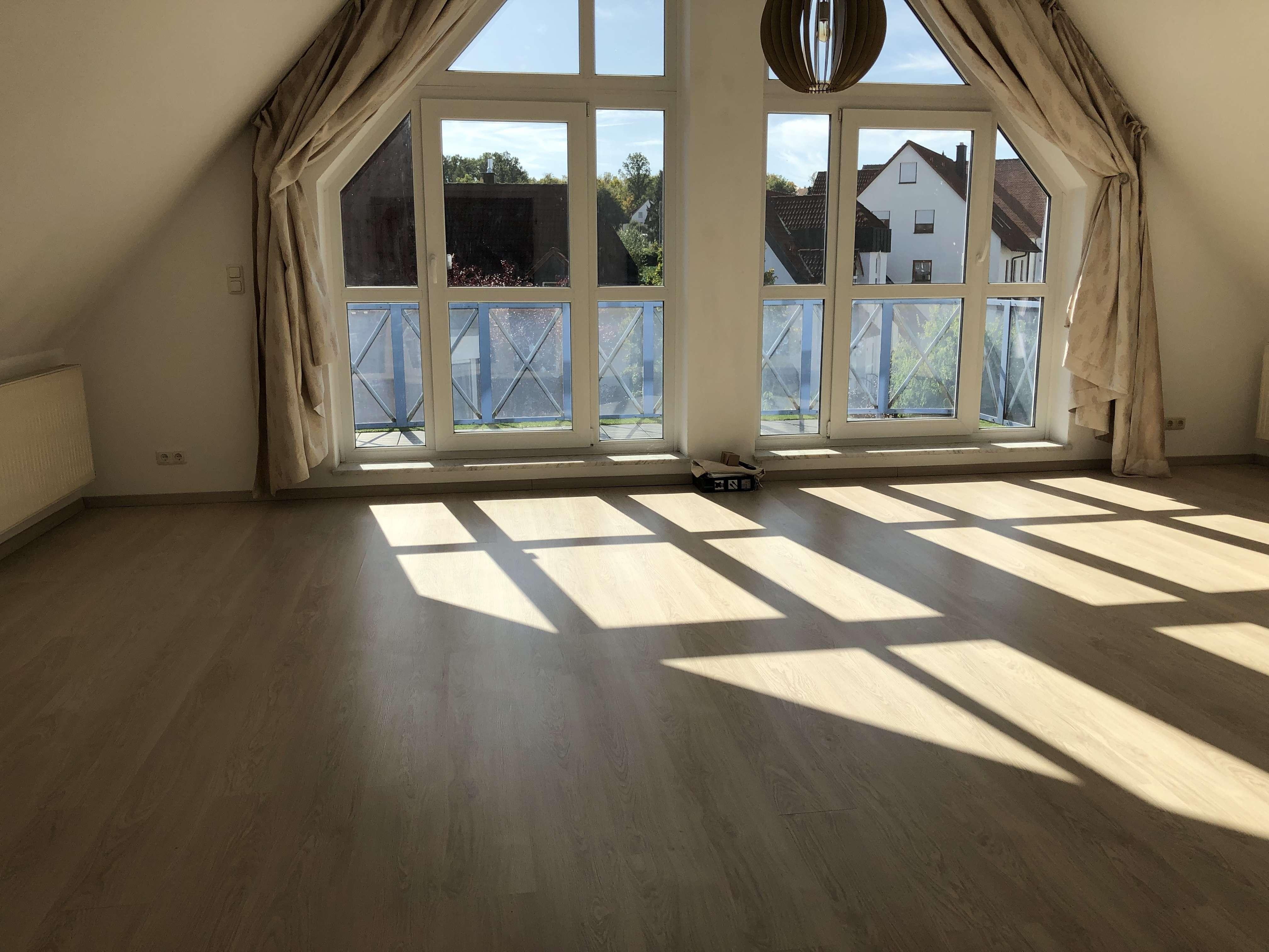 Exklusive, vollständig renovierte 4-Zimmer-Maisonette-Wohnung mit Balkon und EBK in Herzogenaurach in Herzogenaurach