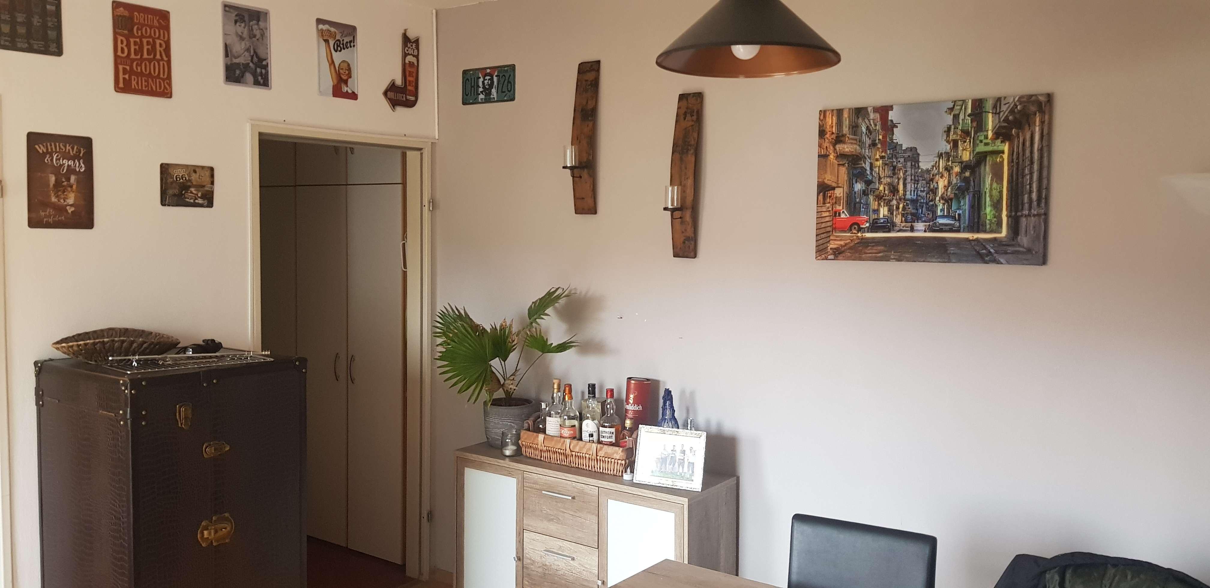 Zwischenmieter gesucht: 2-Zimmer-Dachgeschosswohnung mit Balkon und Einbauküche in Bayern - Freising in Freising