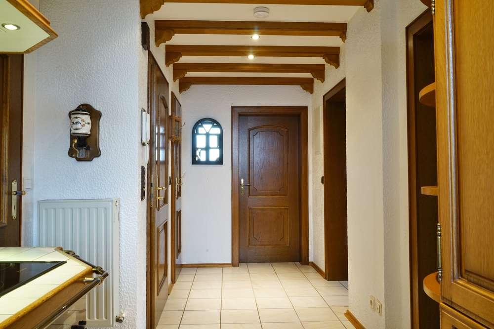 Haus im Haus: Alles frisch renoviert! Planen Sie doch schon mal Ihren Umzug...