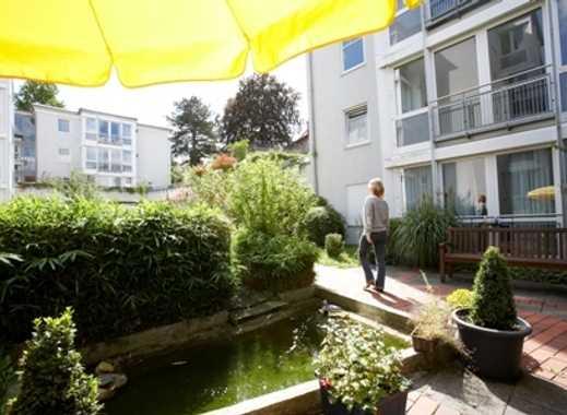 Wohnstift Haus am Berg Backnang - Menschen, Nähe, Lebensfreude!