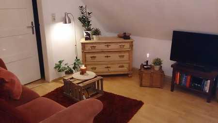 Dachgeschoss für Individualisten: Gemütliche -Wohnung mit eingerichteter Küche Nähe HUK/Bahnho in Coburg-Zentrum (Coburg)