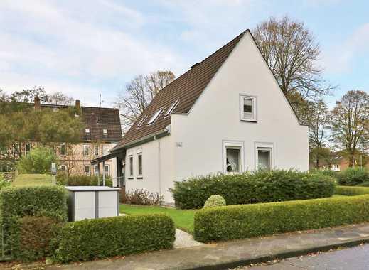 TT Immobilien bietet Ihnen: Freistehendes Einfamilienhaus mit Garage in Wilhelmshaven-Nord!