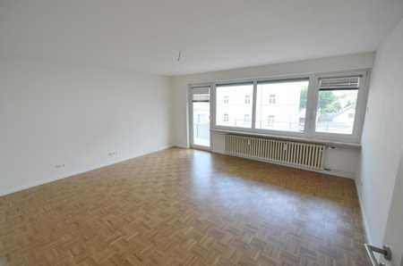 Kompl. san. 3-4-Zi.-Whg. mit ca.15m² Süd-/Westbalkon im inneren Westen von Rgbg. / Nähe Herzogspark in Westenviertel (Regensburg)