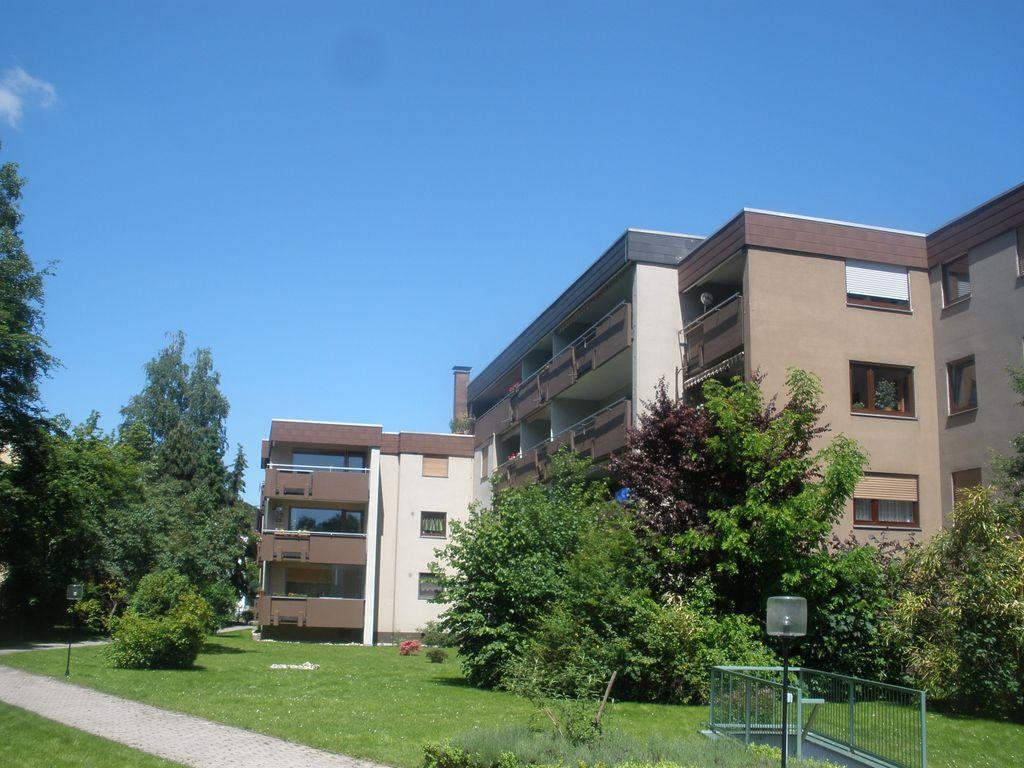 Hausansicht-Balkonseite