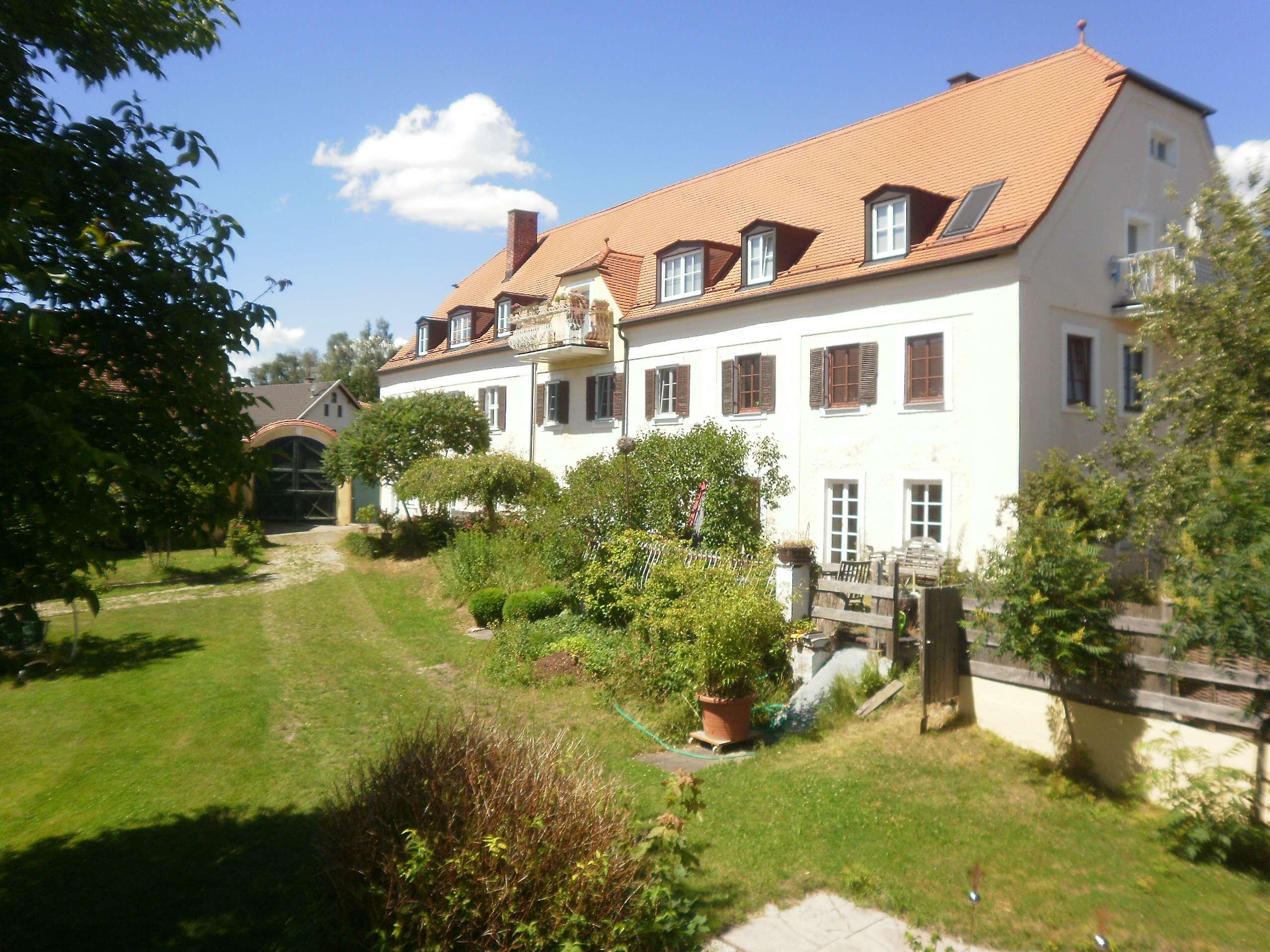 Sonnige Terrassenwohnung in idyllischer Umgebung in Velden (Landshut)