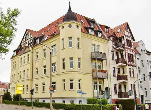 Praktische 2,5 Zimmer Wohnung mit Einbauküche und Balkon