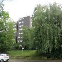 Vier Zimmer Wohnung mit Balkon und Gartenblick im Hochschulviertel
