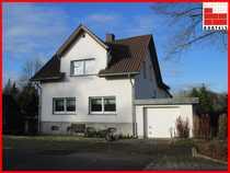 Einfamilienhaus mit ELW 3 Garagen -