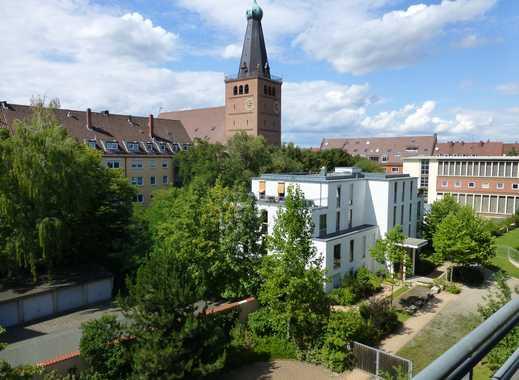 Attraktive Seniorenwohnung, 2-Zi.-Whg. im 4. OG mit Balkon in Nürnberg - St. Johannis