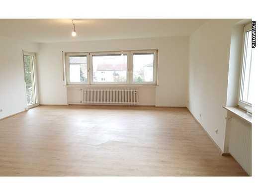 Erstbezug nach Renovierung! Sehr schöne 3-Zimmer-Wohnung mit Balkon, Gäste-WC und Garage!