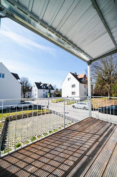 ***Renovierte 2-Zimmer-Wohnung mit Top-Anbindung an die Innenstadt*** in Hennenbach (Ansbach)