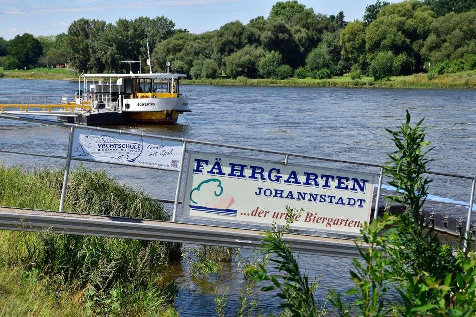 Elbe - Anlegestelle Johannstra
