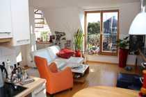 Vollständig renovierte 2-Zimmer-Maisonette-Wohnung mit Dachterrasse