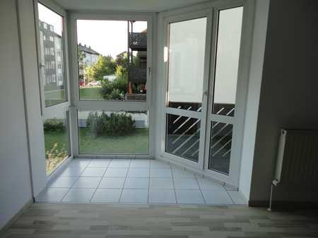 Neu renoviertes Appartement mit Balkon und Küche in Bestlage / Hochschul-Nähe in Hof-Innenstadt