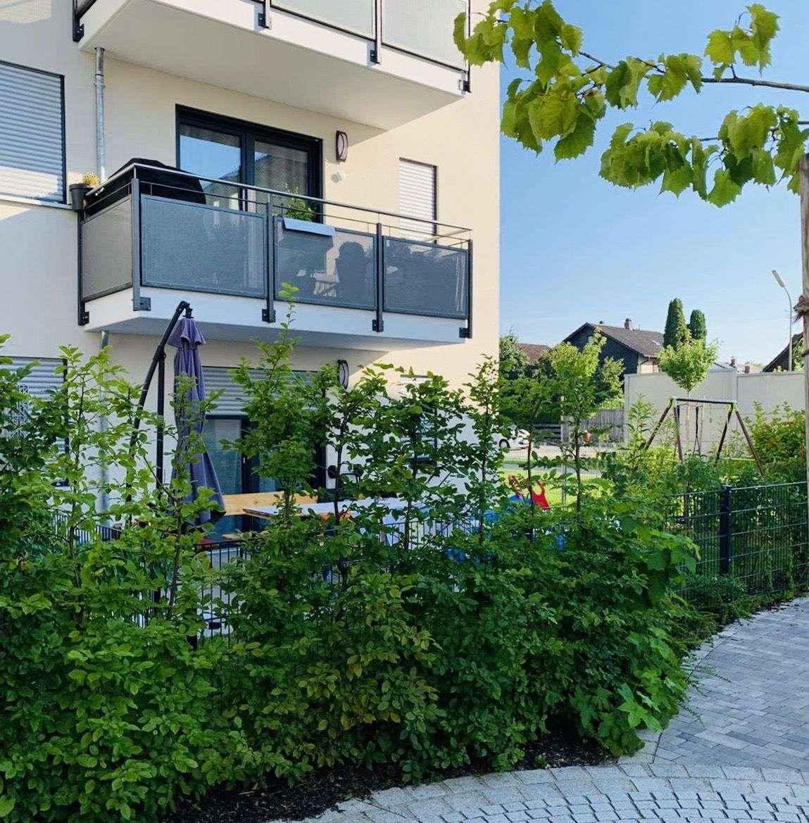 Exklusive 3-Zimmer-Erdgeschosswohnung, barrierefrei, mit Garten in Grafing bei München in