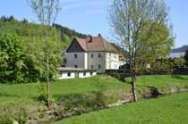 Schönes großes Haus am Bachlauf