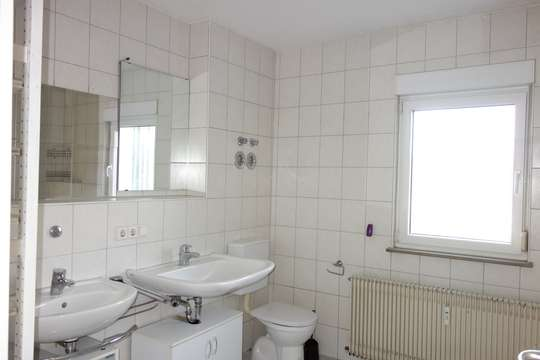 TOP 2 Familienhaus, leerstehend -zum Selbstbezug oder für Studenten, Arbeiterunterkunft  u.s.w.