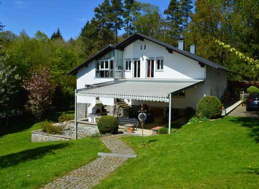 Repräsentative Villa in Alleinlage mit großem Parkgrundstück