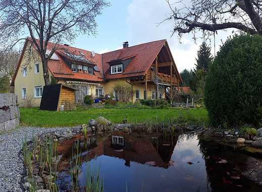 Exklusive Wohnung am Stadtrand Nürnbergs mit großem Garten und Schwimmteich