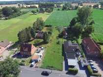Großes Grundstück mit renovierungsbedürftigem Einfamilienhaus