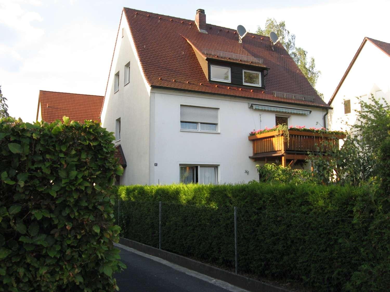 Gemütliche helle DG-Wohnung in ruhigem Haus in Laufamholz (Nürnberg)