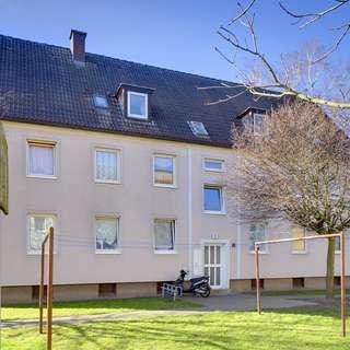Gemütliche Dachgeschosswohnung mit toller Aufteilung in grüner Umgebung!