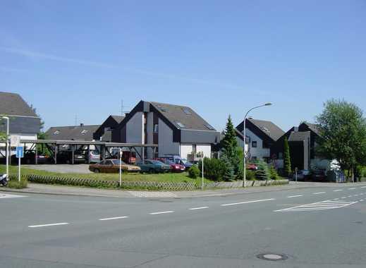 Bereich Dönberg: überdachter PKW-Stellplatz zu vermieten