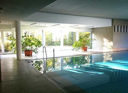 2 Zimmer, 55 qm! Wohnung mit Balkon und nutzbarem Schwimmbad in perfekter Lage!