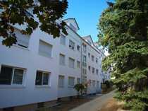 Neuwertige 5-Zimmer-DG-Wohnung mit Balkon in