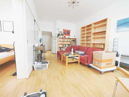 Helle 2 Zi. Wohnung am Therese-Danner-Platz in Neuhausen (München)