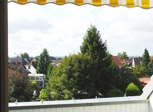 Schöne 2-Zimmer-Dachgeschosswohnung mit Balkon und Einbauküche in Achim