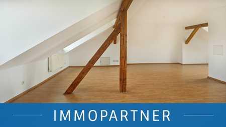 IMMOPARTNER - gemütliche Dachgeschosswohnung in ruhiger Lage! in Schweinau (Nürnberg)
